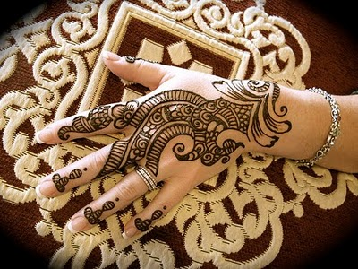 Back side mehndi for karwa chauth