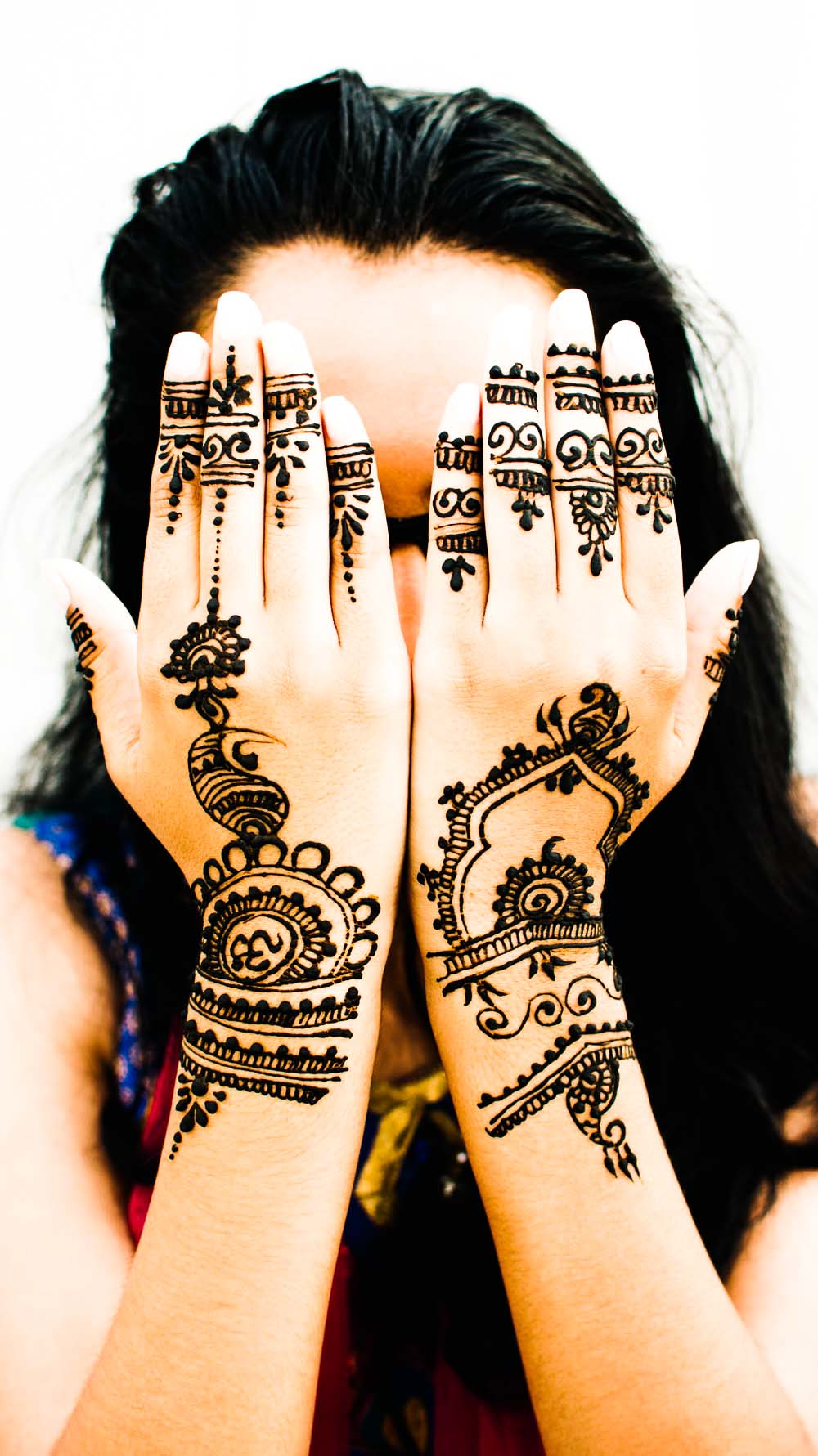 back hand simple mehndi